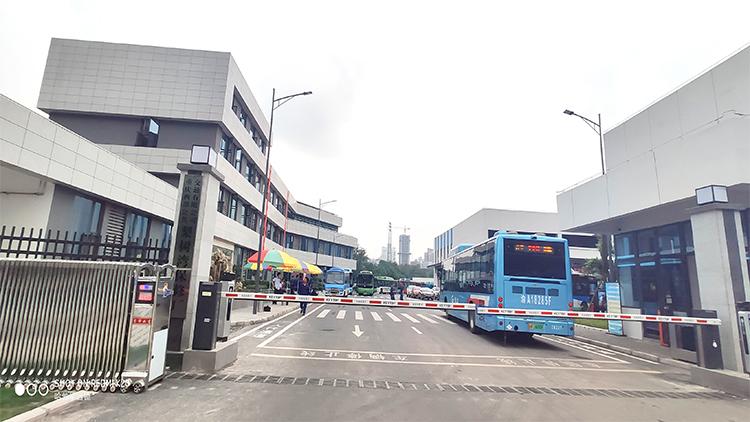重庆融汇公交项目-西部公交集团梨树湾保修厂-设备展示