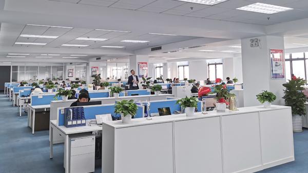 铂锐汽车科技-办公区-3