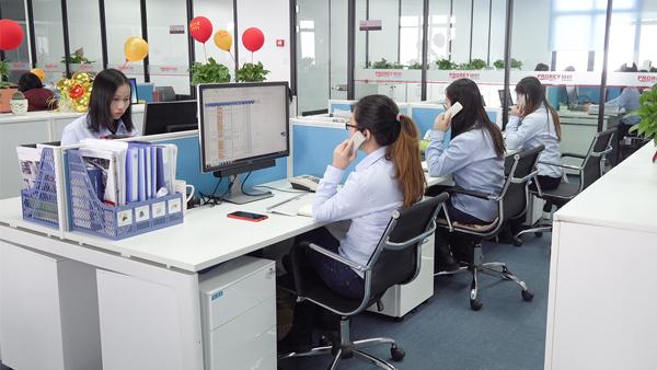 铂锐汽车科技-办公区-1